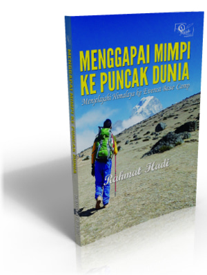 Buku Menggapai Mimpi ke Puncak Dunia